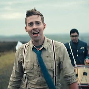 Kaiser Chiefs Coming Home video alternate