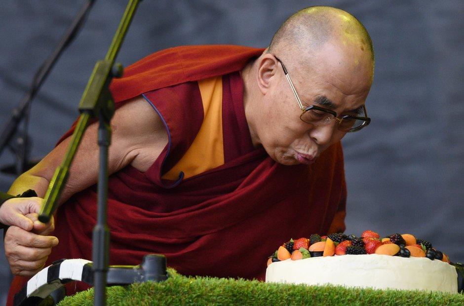 Glastonbury 2015 Dalai Lama