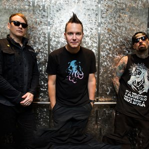 Blink 182 press 2016 Matt Skiba, Mark Hoppus Travi