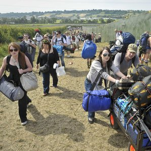 Glastonbury arrivals 2010
