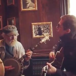 LLiam Gallagher jams 2 Irish pub in Canada